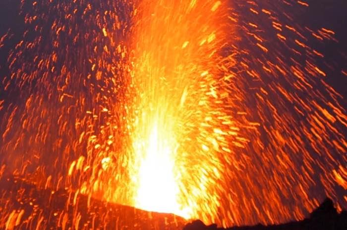 esplosione vulcano