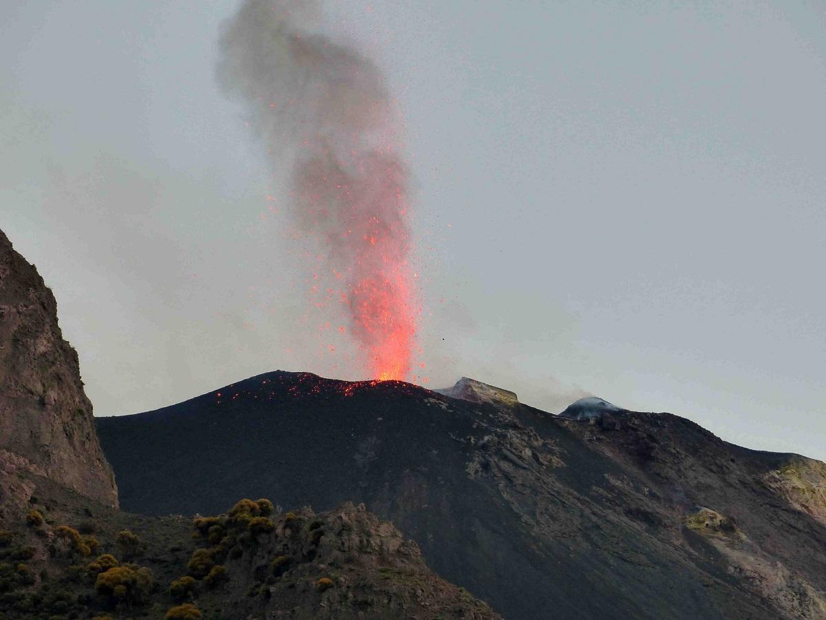 esplosione di lava